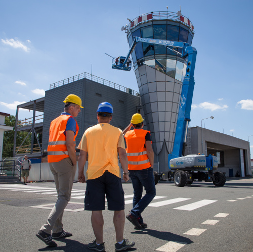 Image: Control tower at the Karlovy Vary airport gets unique glazing from Sipral